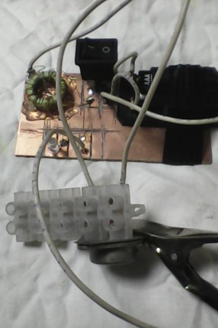 Простейший самодельный прибор для проверки транзисторов.